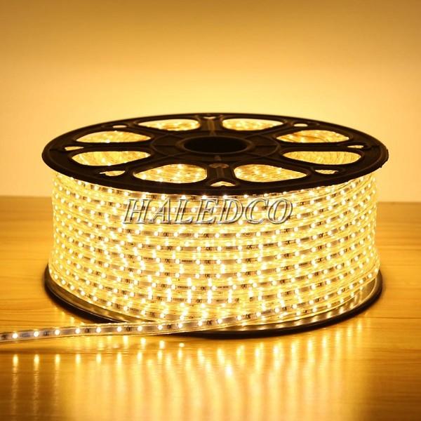 Chip LED 3014 cho ánh sáng vàng sắc nét