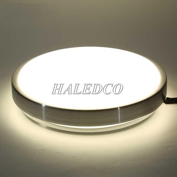 Đèn LED 18w ốp nổi ánh sáng trung thực