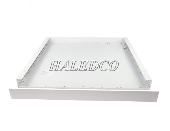 Thanh nhôm giúp gắn đèn lên trần nhà dễ dàng hơn
