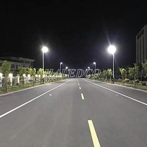 Đèn đường năng lượng mặt trời HLMTS1-100 chiếu sáng đường đô thị