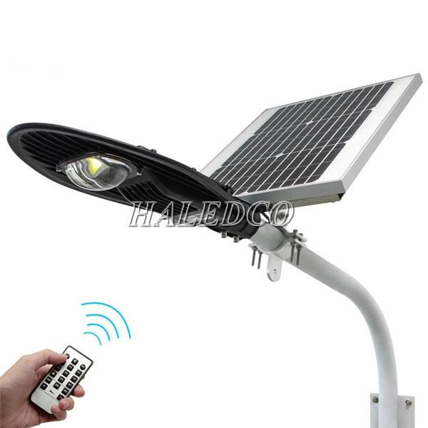Đèn đường LED năng lượng mặt trời HLMTS7-20 tích hợp sử dụng bộ điều khiển từ xa