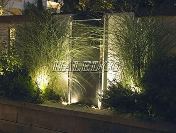 Sử đụng đèn pha LED 15w chiếu hắt bụi cây sân vườn