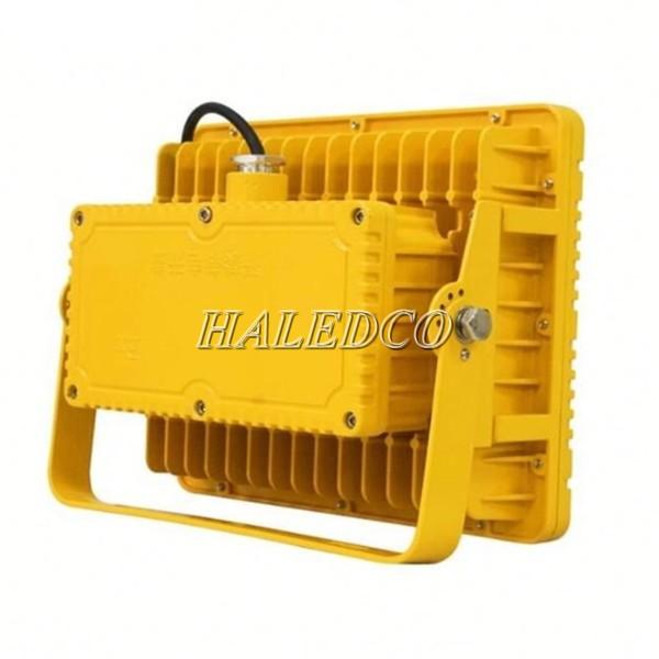 Đèn LED chống cháy nổ HLEP FL3-30 thiết kế tay đèn linh hoạt